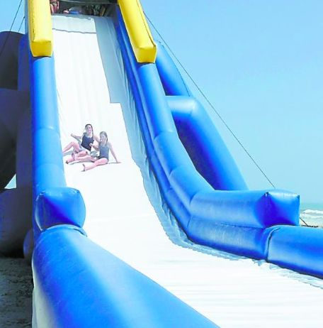 Rent the Hippo: the world's largest inflatable waterslide